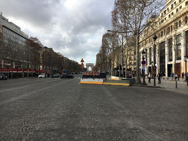 Les Champs-1